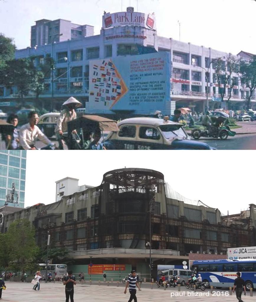 Hình ảnh khi còn hoạt động và khi được vây lưới để phá dỡ của tòa Thương xá Tax. (Ảnh: Paul Blizard/FB Saigon Chợ Lớn Then & Now)