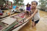 Phát triển thủy điện nhỏ: Lợi ít, hại nhiều, rừng tiêu điều, dân khốn khó
