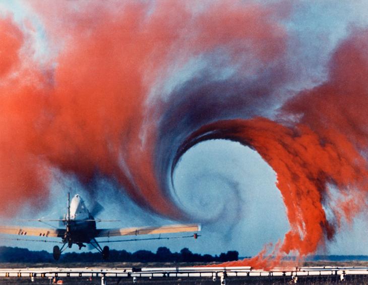 Xoáy khí hình thành ở cánh máy bay