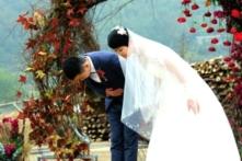 Đám cưới độc đáo ở làng quê Trung Quốc thu hút đông đảo cư dân mạng
