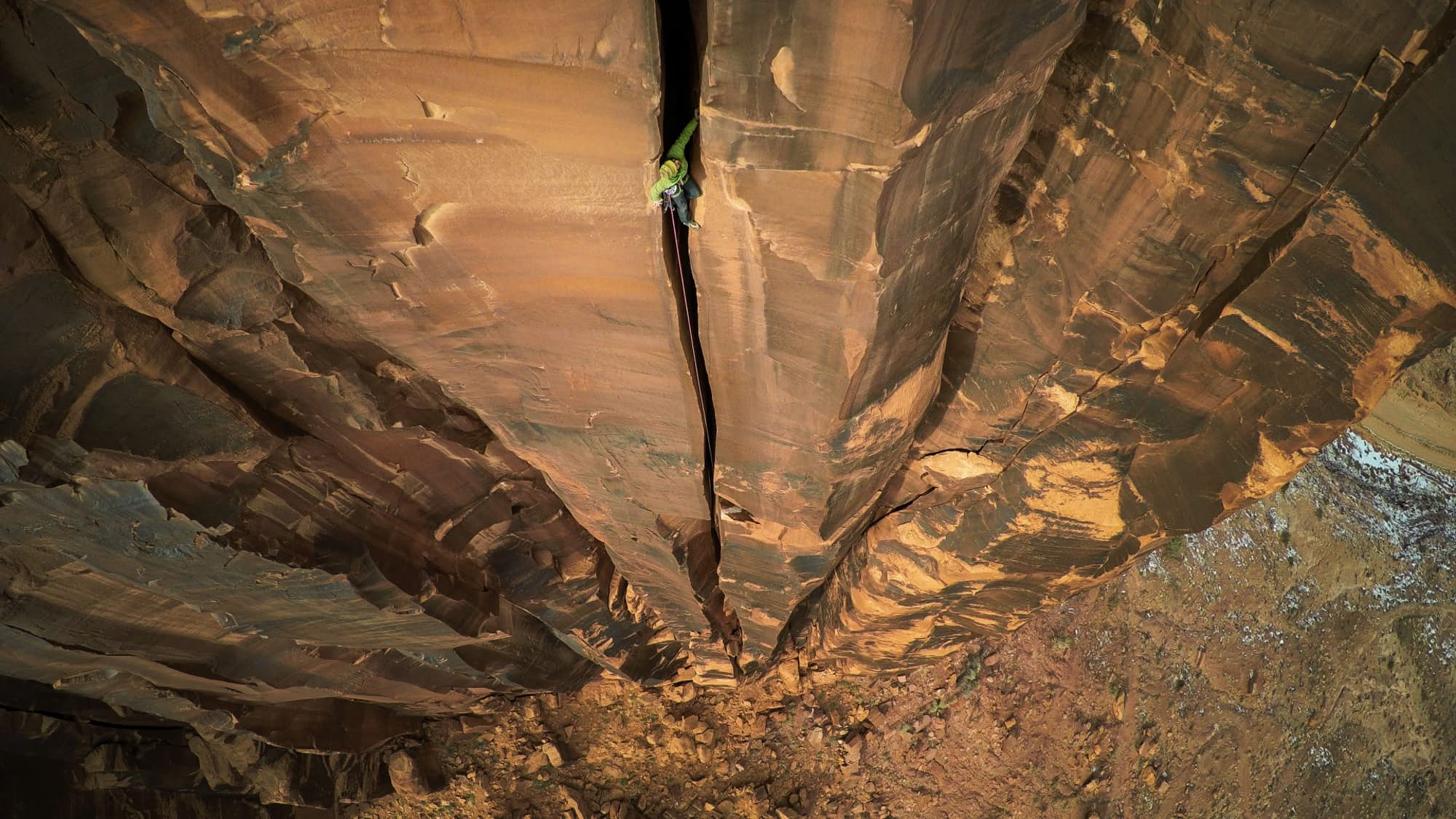 Ảnh đoạt giải nhất hạng mục ảnh mạo hiểm của Nat Geo đầu năm nay. Chụp ở Moab, Mỹ (ảnh: Max Seigal)