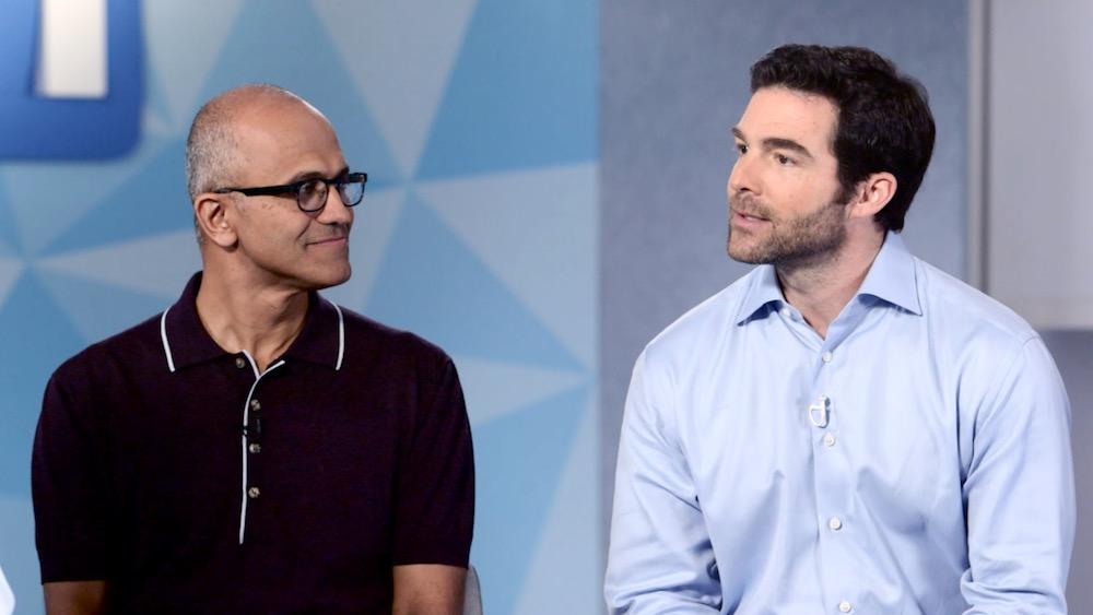 CEO Satya Nadella của Microsoft và CEO Jeff Weiner của LinkedIn. (Ảnh: Microsoft)