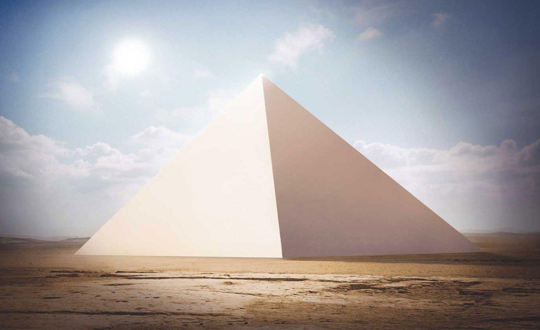Kim tự tháp Giza từng được phủ bên ngoài bằng các khối đá vôi trắng tufa (ảnh qua ancient-code.com)