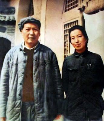 Mao Trạch Đông và Giang Thanh năm 1946
