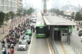 Hà Nội thí điểm cho xe bus thường đi vào làn đường của xe bus nhanh
