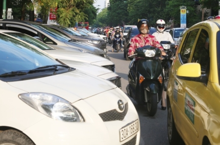 Sau Tết, Hà Nội sẽ áp dụng đỗ xe theo ngày chẵn, lẻ