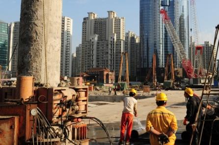 Học giả Trung Quốc: Ba vấn đề nghiêm trọng của nền kinh tế Trung Quốc