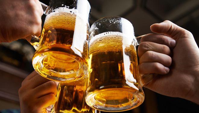 người việt uống bia