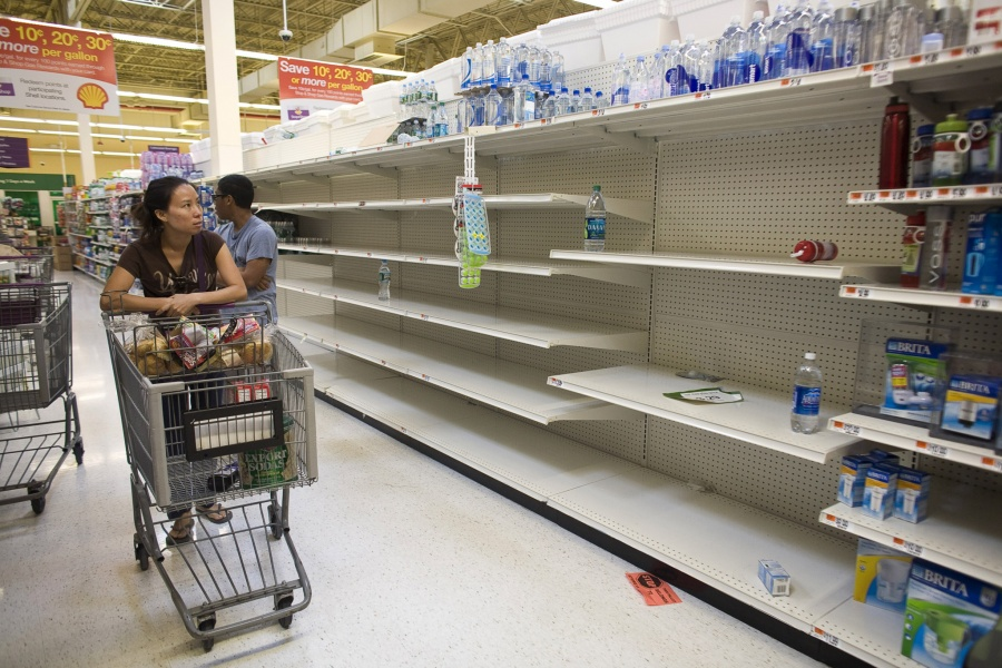 Siêu thị khan hiếm hàng hoá tại Venezuela