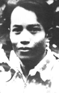Nhà văn Vương Thực Vị (Wang Shiwei) là phần tử trí thức đầu tiên bị giết hại trong chỉnh đốn Diên An.