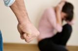 Tâm lý học: Vòng luẩn quẩn làm cho nạn nhân của bạo hành không thể trốn thoát
