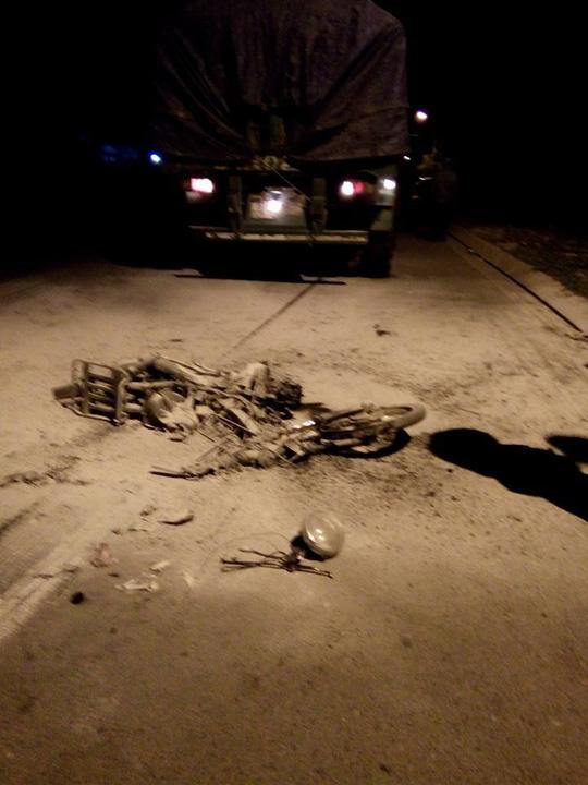 Chiếc xe sau khi bốc cháy chỉ còn lại bộ khung. (Ảnh: nld.com.vn)