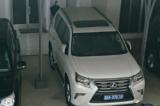 doanh nghiệp tặng xe Lexus