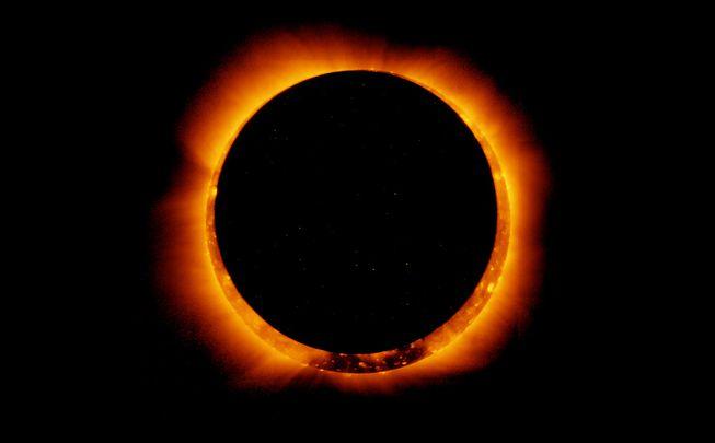 Hiện tượng nhật thực hình khuyên vào ngày 6/1/2011 (ảnh: NASA/Flickr)