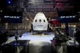 SpaceX công bố đưa hành khách đến Mặt trăng, NASA 'nhắc nhở'