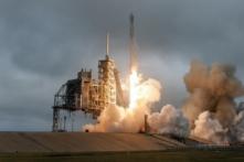 Drone quay lại cảnh tên lửa Falcon 9 hạ cánh thành công trên mặt đất (ảnh, video)