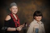 Mỹ: Nghĩa cử cao đẹp của cậu bé 2 năm nuôi tóc tặng bạn gái