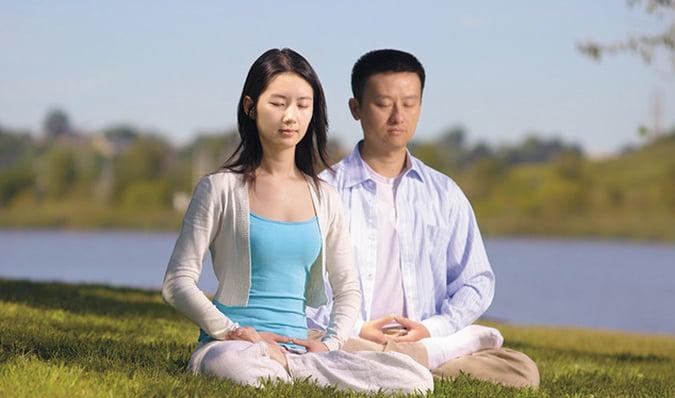 Thiền định kết nối con người với tự nhiên và vũ trụ (Ảnh: Internet)