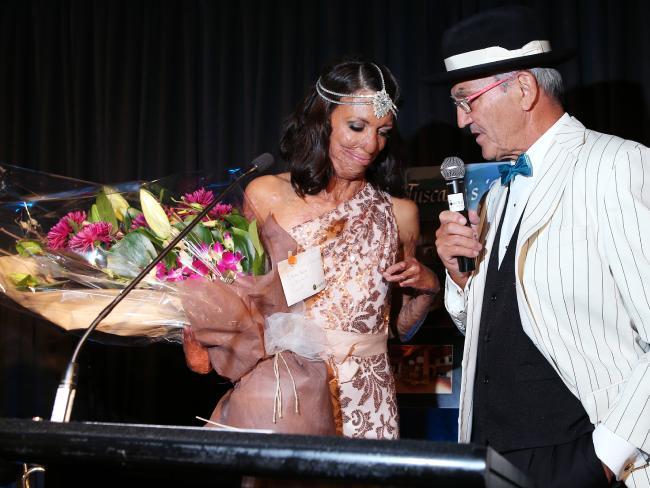 Turia Pitt và bác sĩ phẫu thuật Peter Haertsch. (Ảnh: dailytelegraph.com.au)