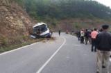 xe đâm vào vách núi