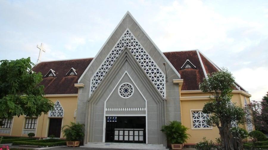 Nhà nguyện tu viện dòng Mến Thánh Giá Thủ Thiêm (Ảnh: Trí thức VN)