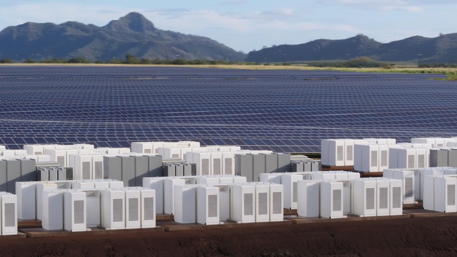 Các bộ Powerpacks trên đảo Kauai, Hawaii (Ảnh: Tesla)