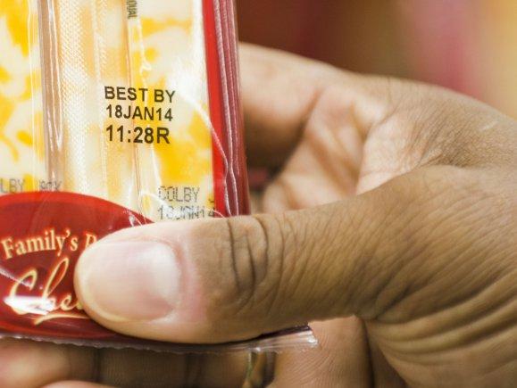 Chuẩn hóa cách ghi hạn sử dụng trên thực phẩm sẽ góp phần giảm hàng trăm ngàn tấn lương thực lãng phí mỗi năm (ảnh: pid-labelling.co.uk)