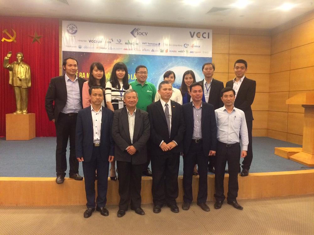 Các thành viên sáng lập của Cộng đồng IOCV và ban tổ chức hội thảo (ảnh: TTVN)