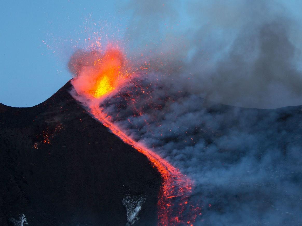 Núi lửa Etna phun trào (ảnh: Getty Images)