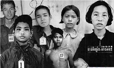 Hình ảnh một gia đình có người chống cách mạng, cả nhà bị Khmer Đỏ hành quyết.