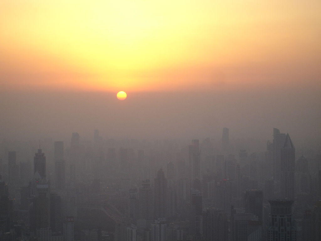 Sương mù ô nhiễm tại Trung Quốc đại lục ngày càng nghiêm trọng (Ảnh: Wikimedia).