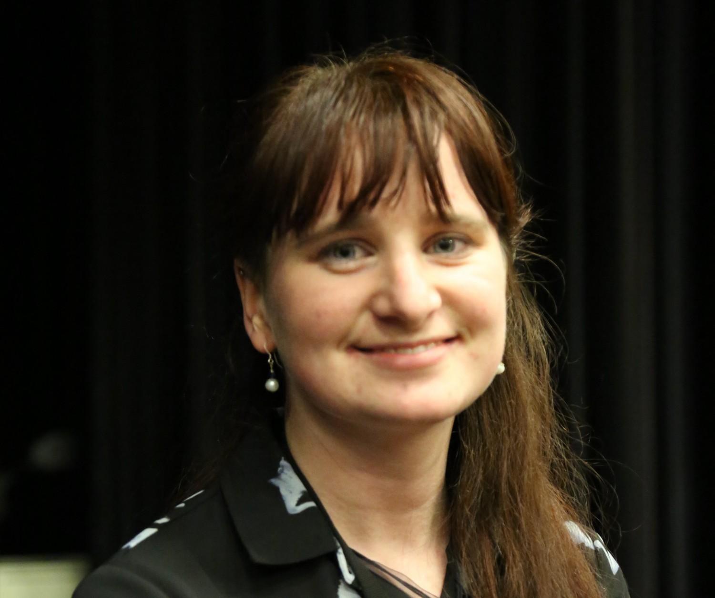 Bà Karli Zschogner, điều phối viên của Nhóm Nghị viện đa đảng Canada về Phòng chống Tội diệt chủng và các Tội phạm Khác chống lại Nhân loại, đã tham dự buổi chiếu phim Thu hoạch Nhân thể tại Đại học Ottawa vào ngày 6 tháng 4 năm 2017. Jonathan Ren / Epoch Times