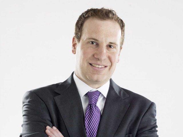 CEO Mat Ishbia cho rằng học vấn và kỹ năng chỉ xếp thứ hai sau thái độ làm việc. (Ảnh: Mat Ishbia)