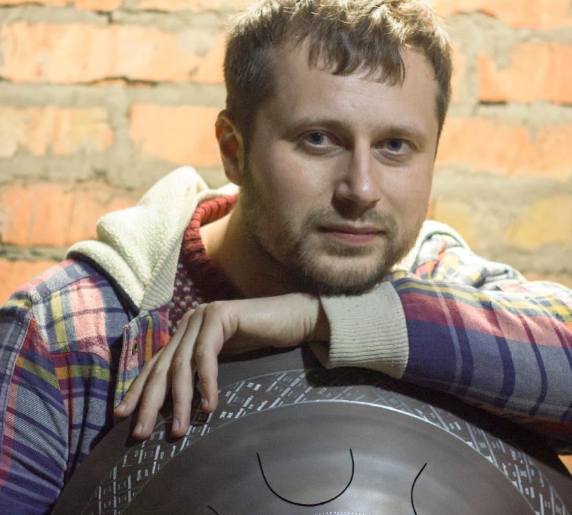 Nghệ sĩ Ukraine - Dmitriy Gubarev. (Ảnh: Guda Drum)