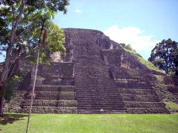 Kim tự tháp Mundo Perdido (ảnh: CC BY-SA 3.0)