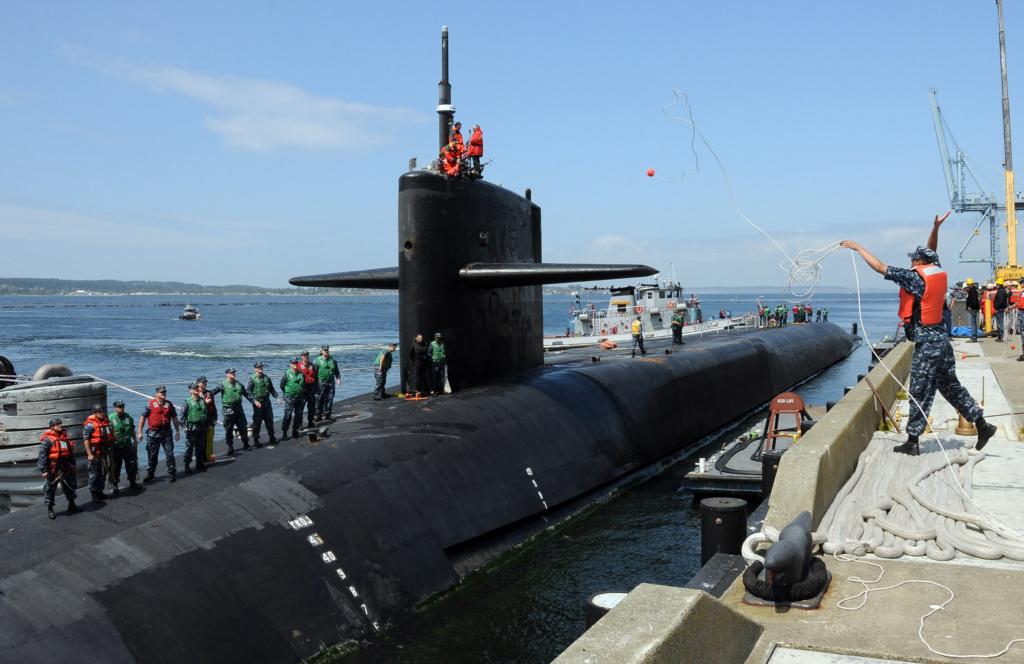 Tàu ngầm USS Michigan mang tên lử Tomahawk của hải quân Hoa Kỳ