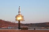 Bắc Hàn âm thầm phóng thử tên lửa sau lễ diễu binh