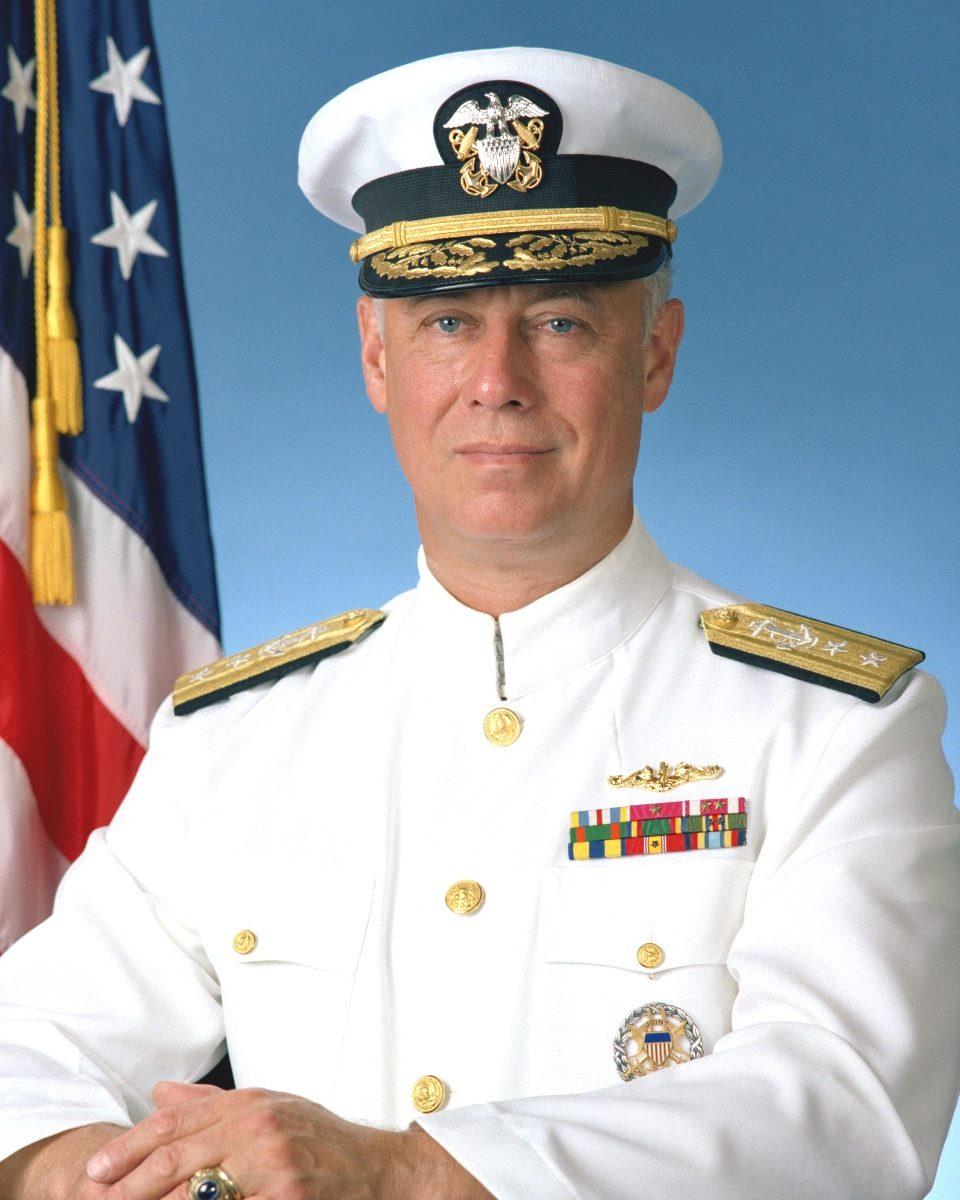 Đô đốc Dean Reynolds Sackett (ảnh: theblackvault)