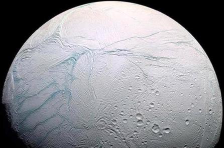 NASA: Mặt trăng Enceladus của sao Thổ có đầy đủ yếu tố cho sự sống