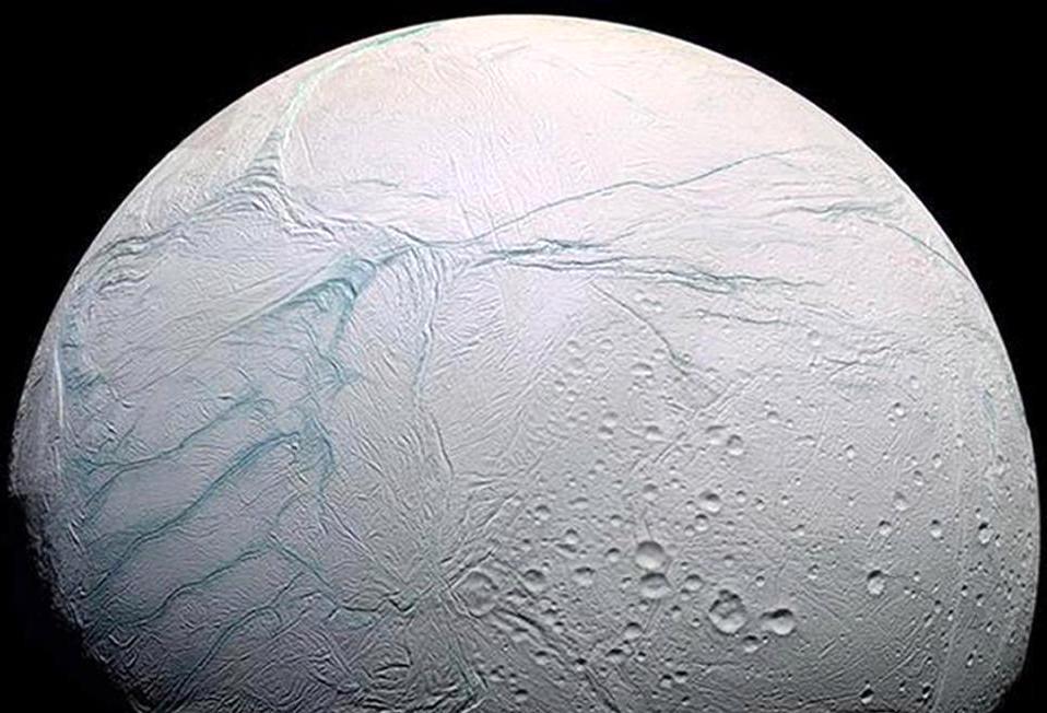 (ảnh: PA) NASA: Mặt trăng Enceladus của sao Thổ có đầy đủ yếu tố cho sự sống