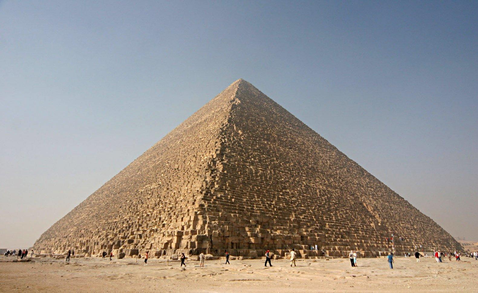 Đại Kim tự tháp Giza. (ảnh: Wikipedia)