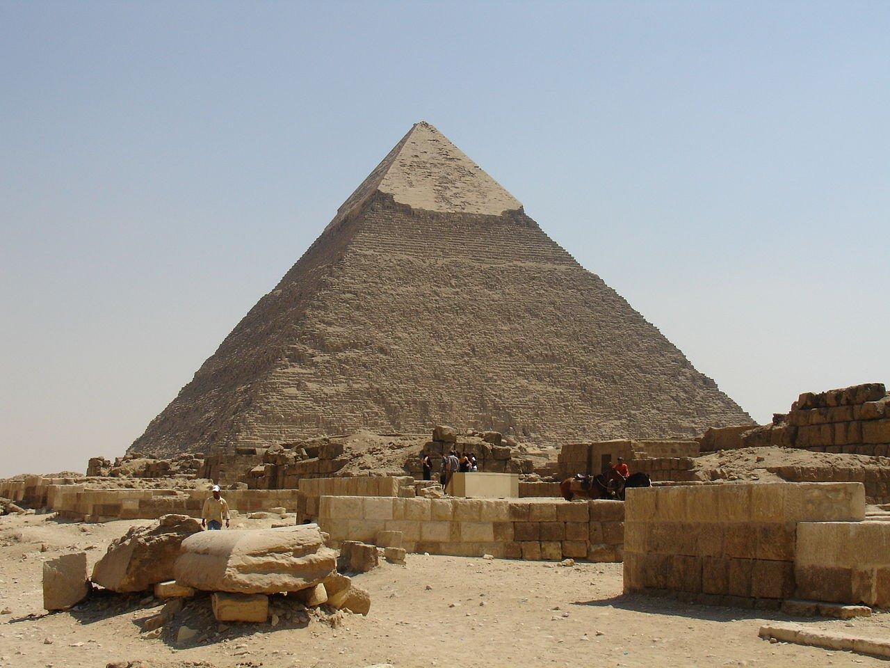 Kim tự tháp Khafre. (ảnh: Wikipedia)