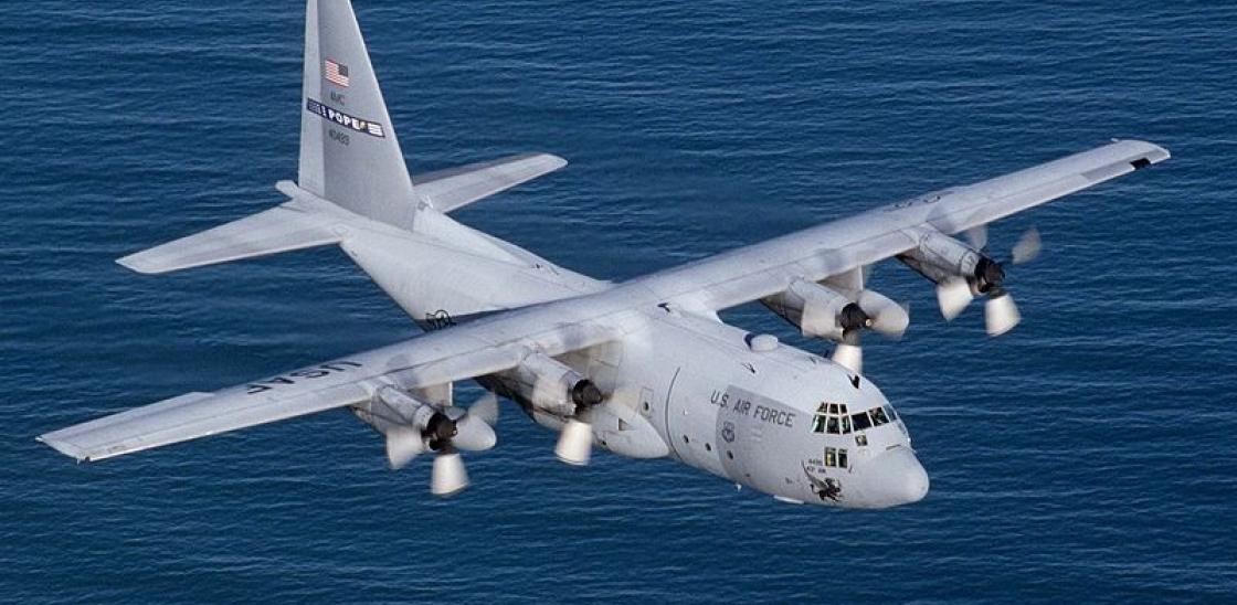 Máy bay C-130