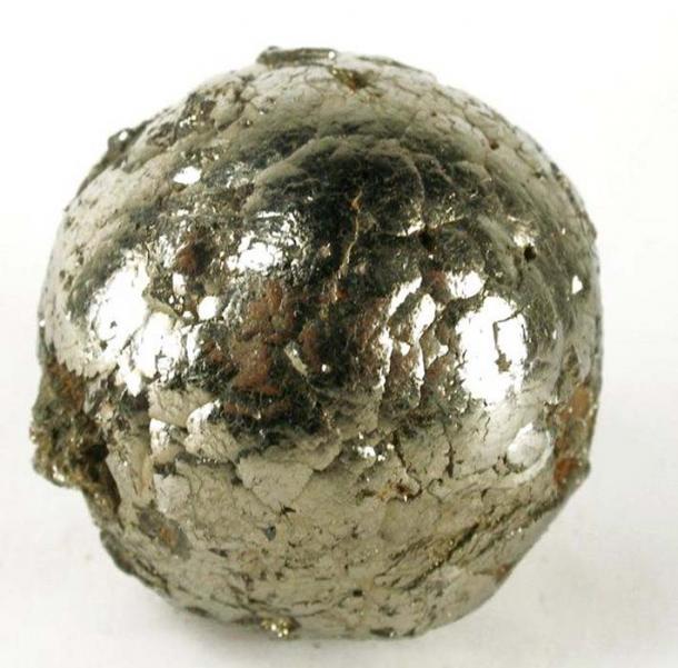 Một quả cầu Pyrit rất tinh xảo và rất hiếm ở Peru (ảnh: Rob Lavinsky, iRocks.com /CC BY-SA 3.0)