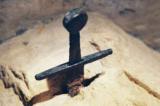 Tu viện Thánh Galgano: Câu chuyện về thanh kiếm cắm ngập trong đá từ thế kỉ 12