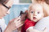 8 thói quen xấu có thể gây tổn hại cho thính giác của trẻ