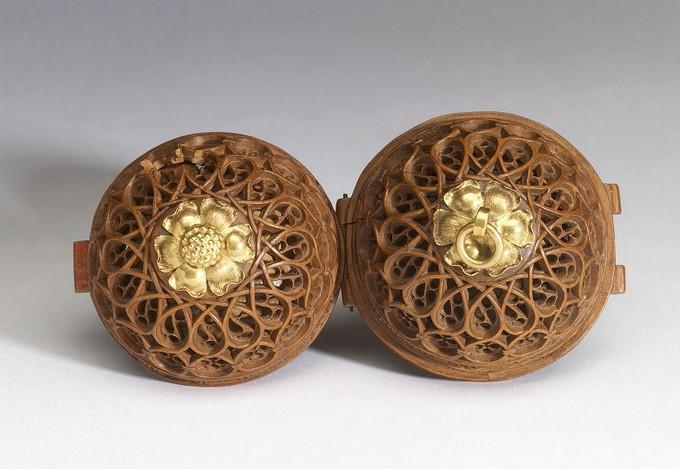 Phần nắp của hạt. (Ảnh: The Walters Art Museum, Baltimore)
