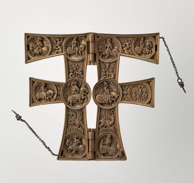 Bên trong ký tự F bằng gỗ. (Ảnh: RMN-Grand Palais / Art Resource, NY)