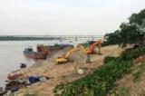 An Giang: Hàng chục người dân góp tiền để ngăn chặn việc khai thác cát