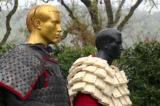Sức bảo vệ đáng kinh ngạc của áo giáp cổ đại làm từ… giấy (video)